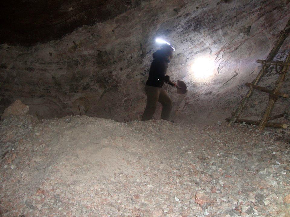 Ich in der Salzmine von Huarhua im Cotahuasi Canyon