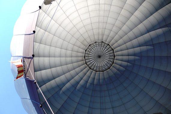 Heißluftballon von unten