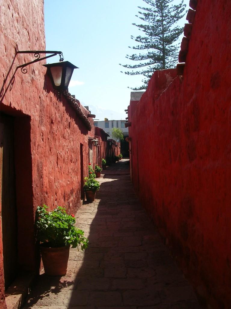Arequipa: Rote Gasse im Kloster Santa Catalina