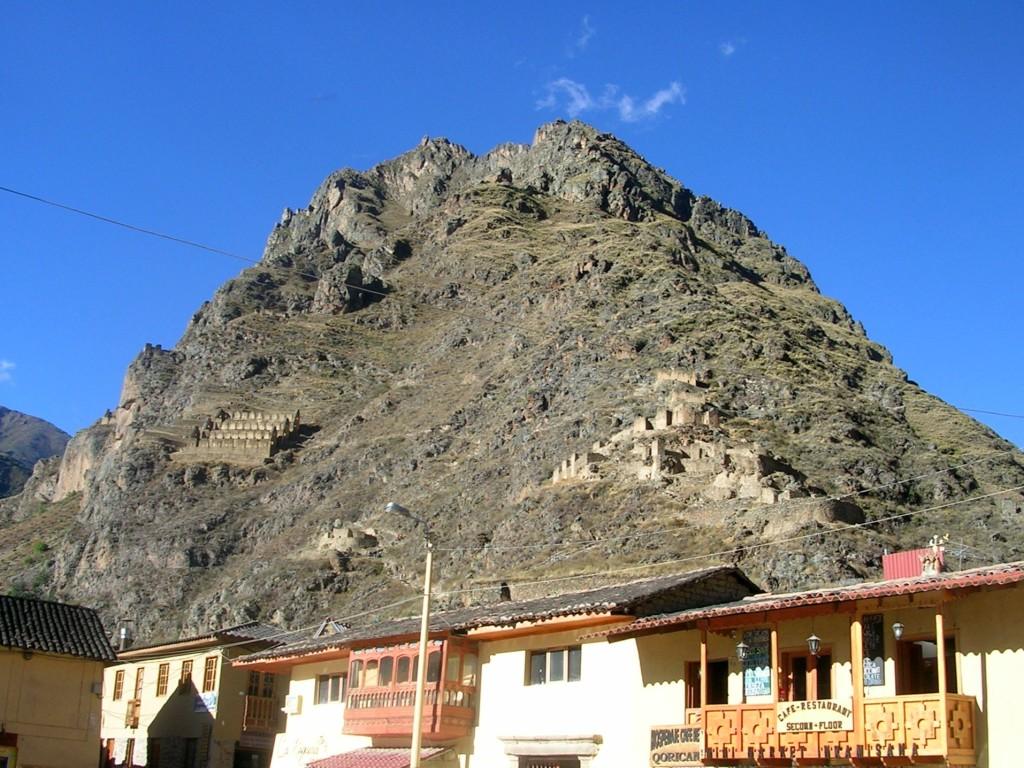 Ollantaytambo: gegenüberliegende Bergseite