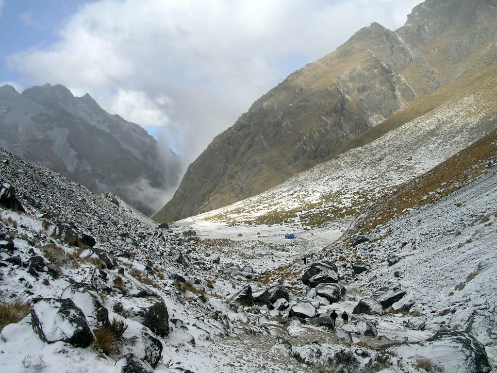 Zeltplatz im Schnee am Salkantay Trek