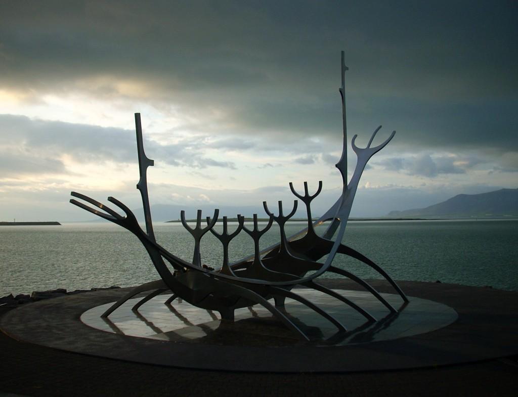 Wikinger Schiff Skulptur Sólfar in Reykjavik