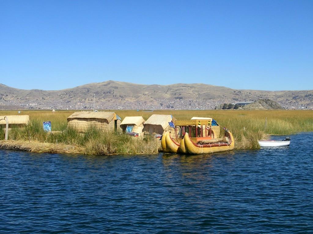 Uro Inseln bei Puno