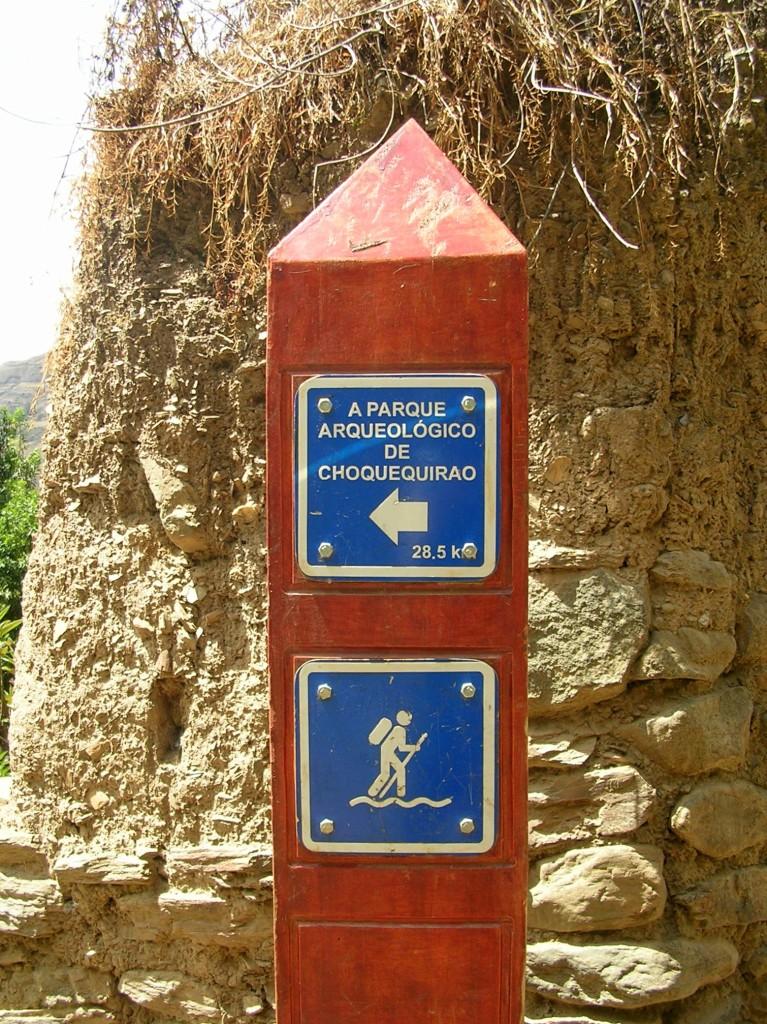 Wegweiser des Choquequirao Treks in Peru