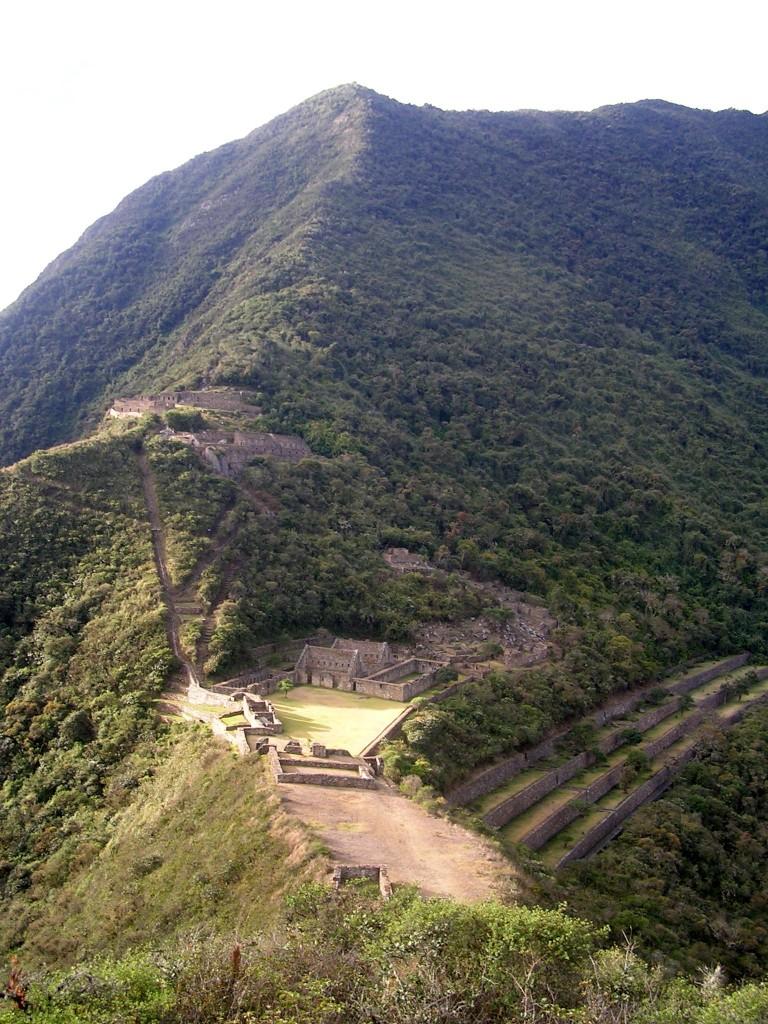 Blick auf das Bergplateau von Choquequirao