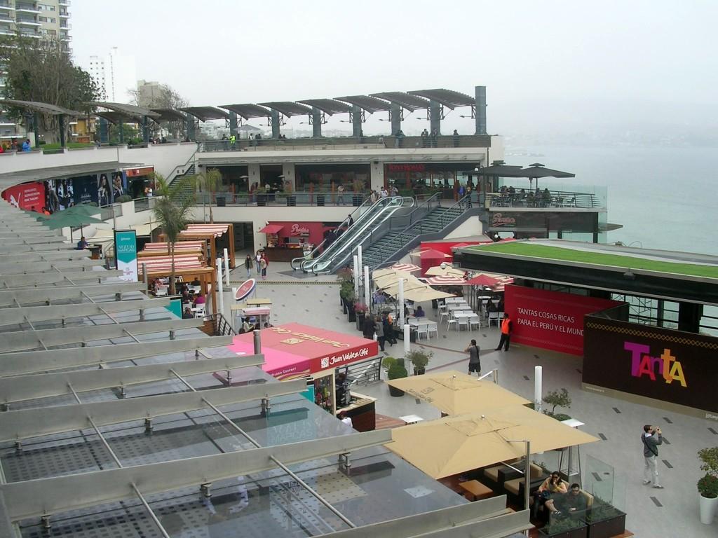 Strandpromenade im Stadtteil Miraflores in Lima