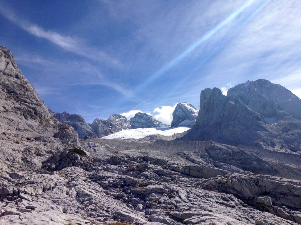 Der Gosaugletscher - links klein im Bild die Adamekhütte