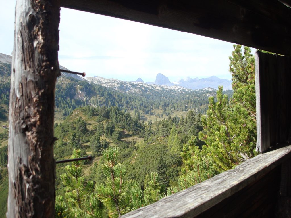 Aussicht in Richtung Dachstein Gletscher am Dachsteinrundwanderweg vom Stoderzinken zum Guttenberghaus