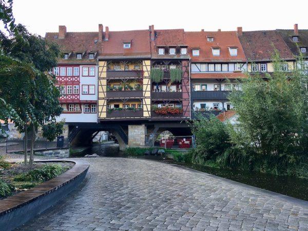 Krämerbrücke in Erfurt von der Seite
