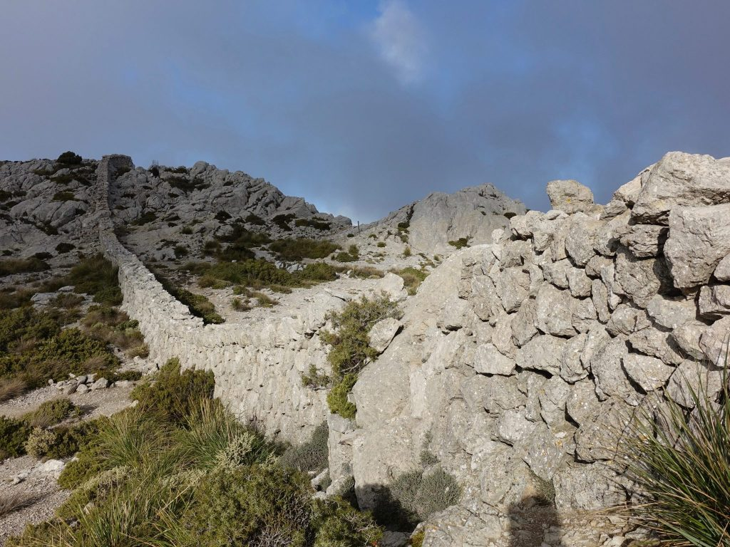 GR 221: Trockenmauer in der Serra Tramuntana