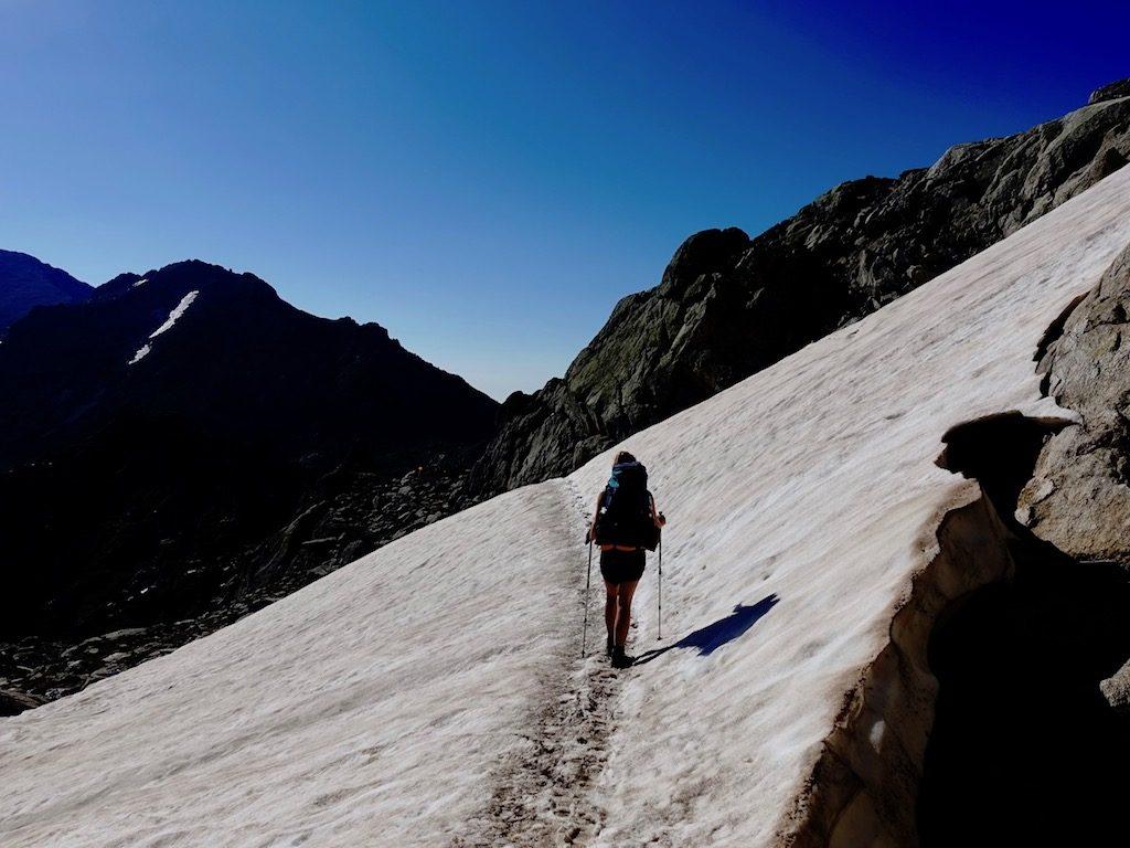 GR20: Querung eines Schneefelds