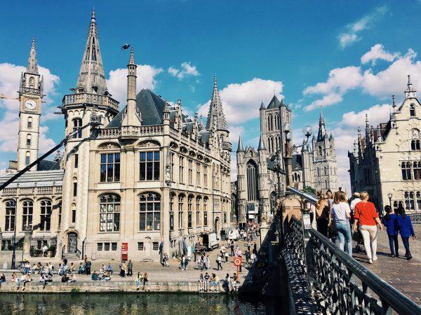 St. Michael Brücke in Gent mit Türmen