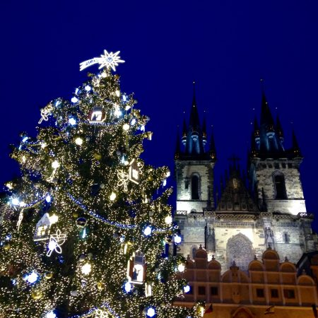 Prag_Travelwoman_1