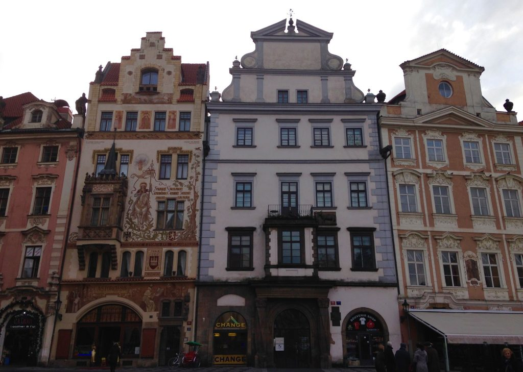 Prag_Travelwoman_17