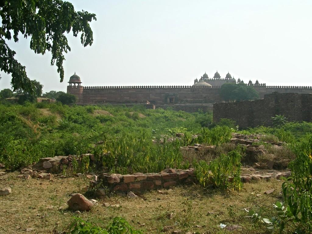 Unterhalb der Jama Masjid Moschee in Fatehpur Sikri