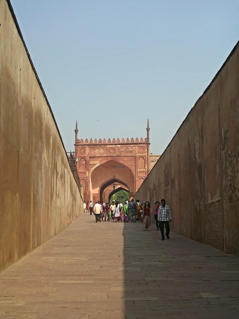 Weg zum Roten Fort in Agra