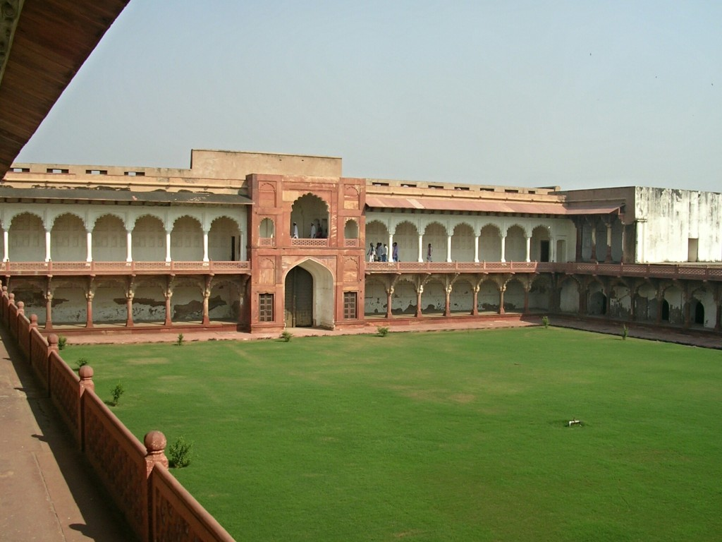 Innenhof im Roten Fort in Agra