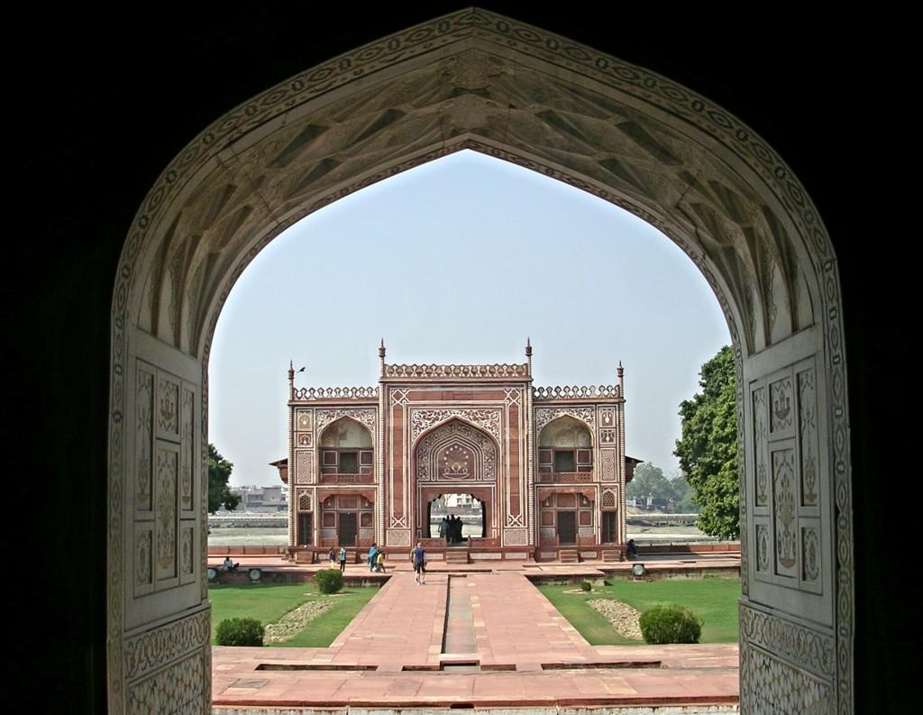 Nebengebäude beim der Itimad-ud-Daula-Mausoleum in Agra