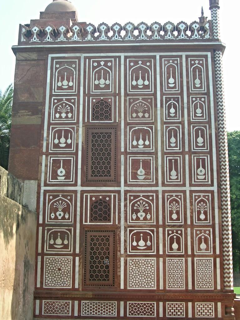 Nebengebäude beim Itimad-ud-Daula-Mausoleum in Agra