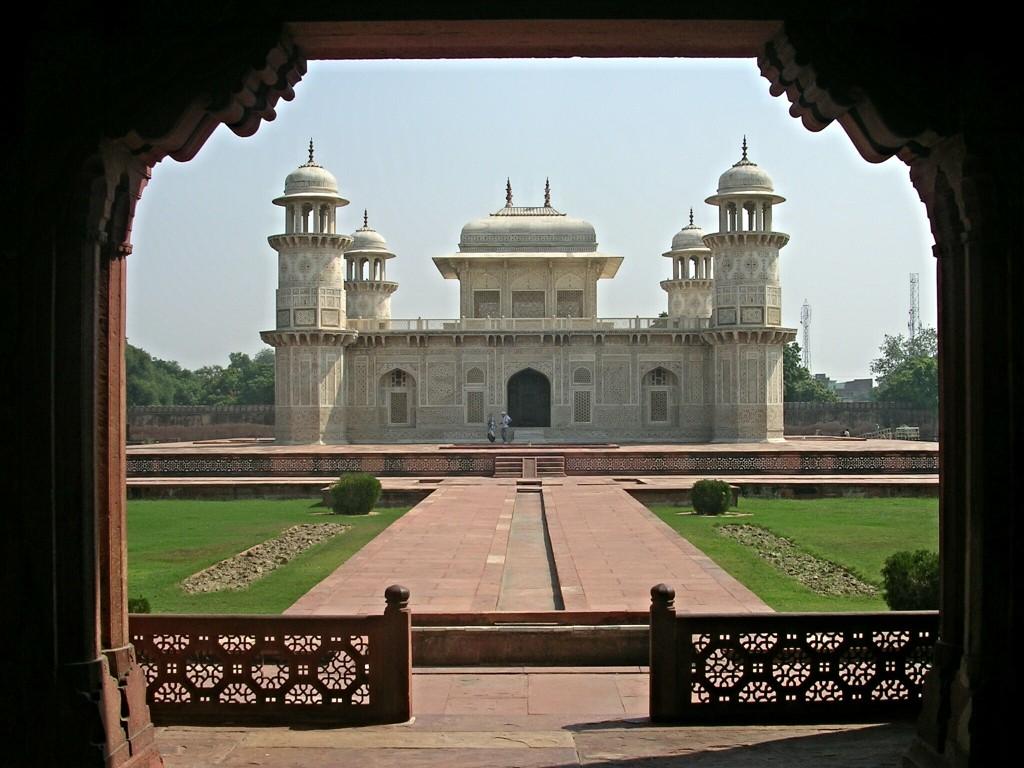 Itimad-ud-Daula-Mausoleum in Agra