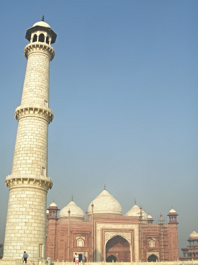 Turm beim Taj Mahal