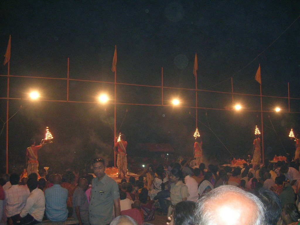 Zeremonie am Dashaswamedh Ghat in Varansi