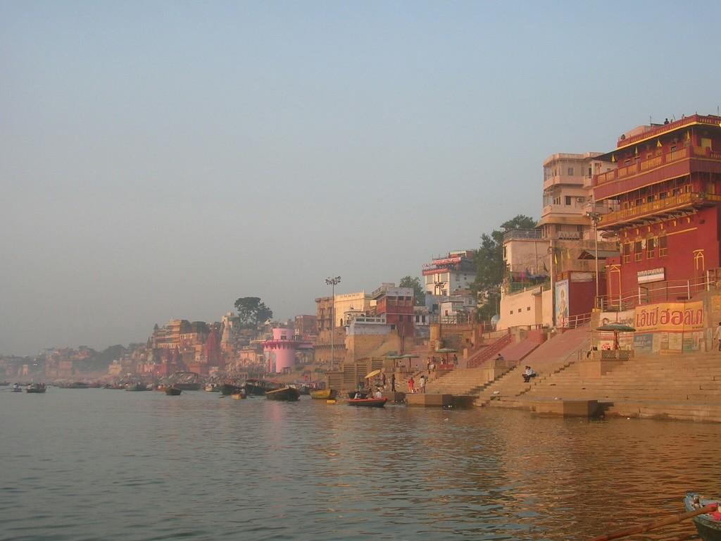 Ganges und Ghats in Varanasi