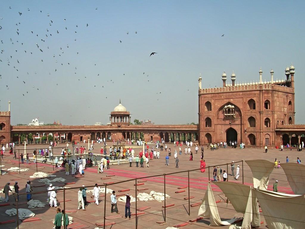 Platz in der Jama Masjid (Freitagsmoschee) in Delhi