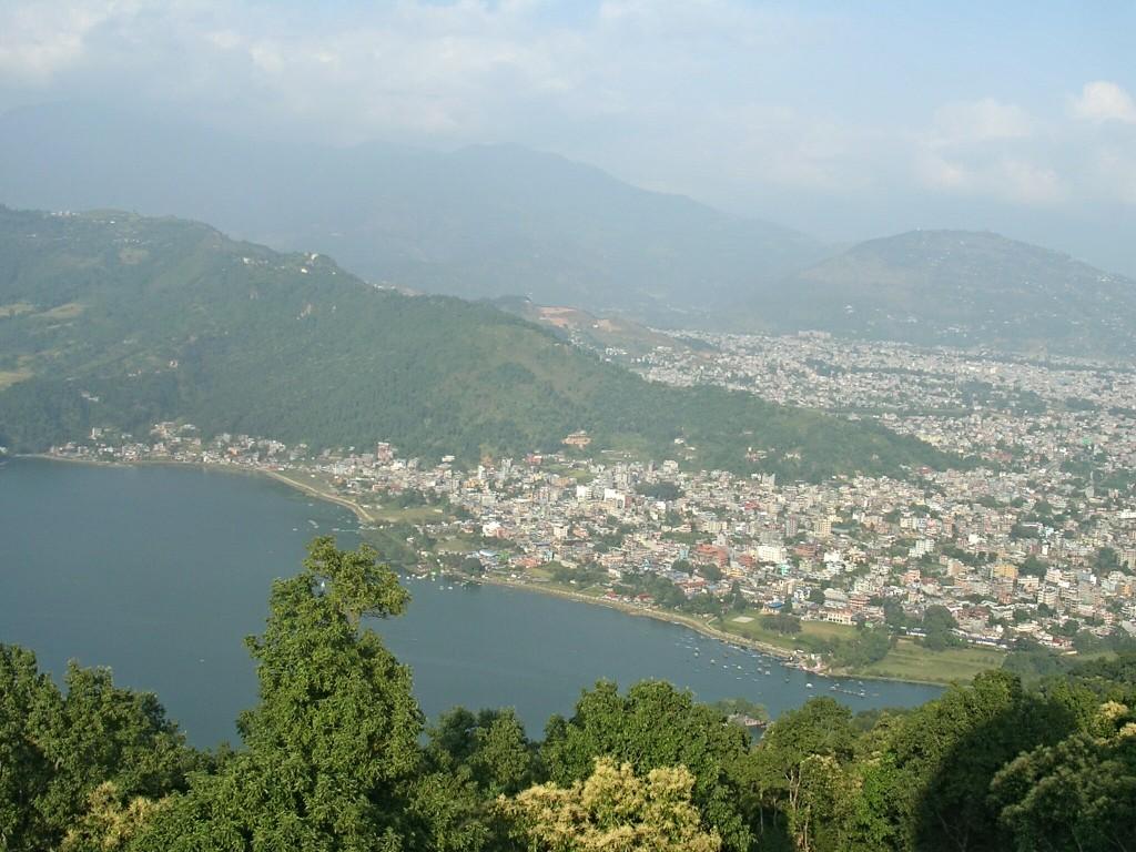 Ausblick von der World Peace Pagode in Pokhara