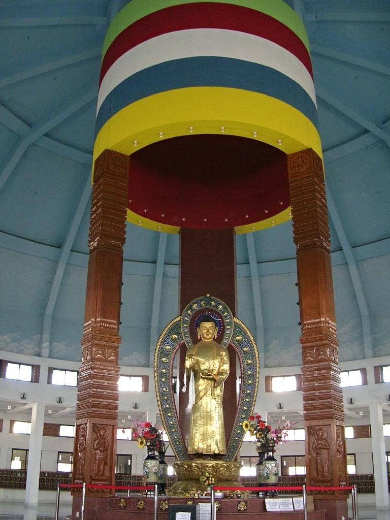 Innerhalb eines Tempels in Lumbini