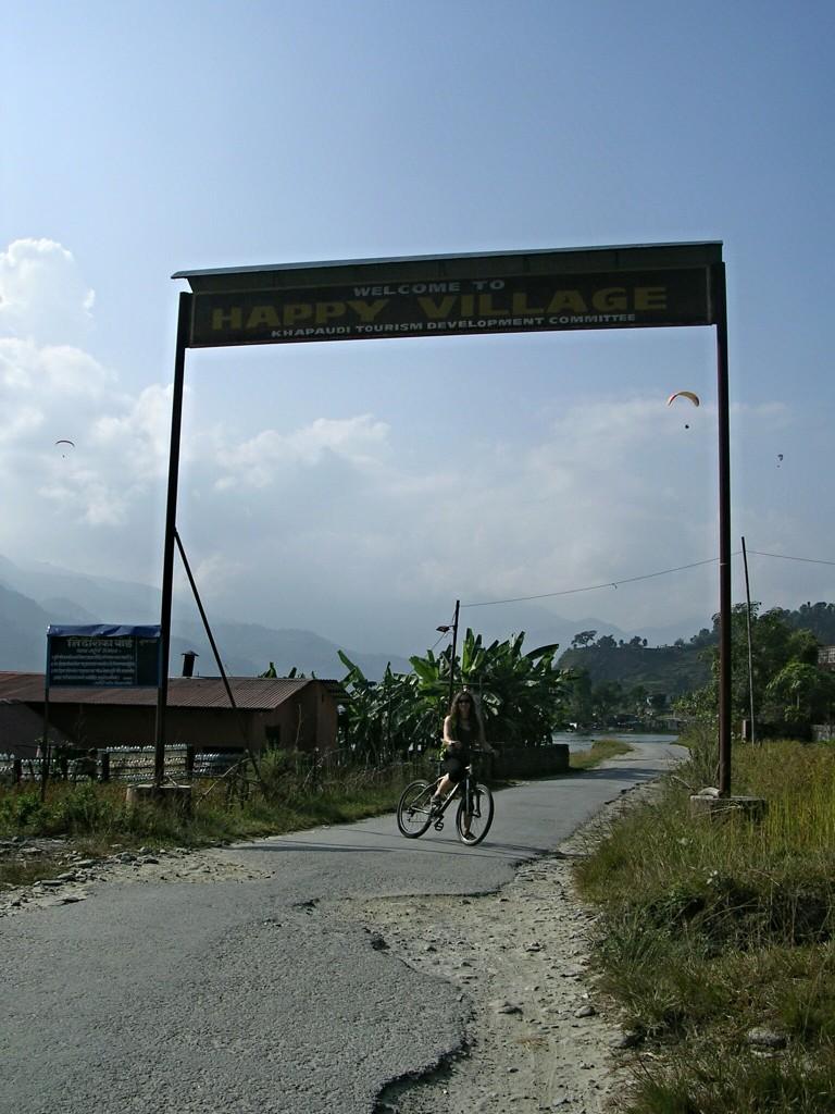 Radtour nach Happy Village bei Pokhara
