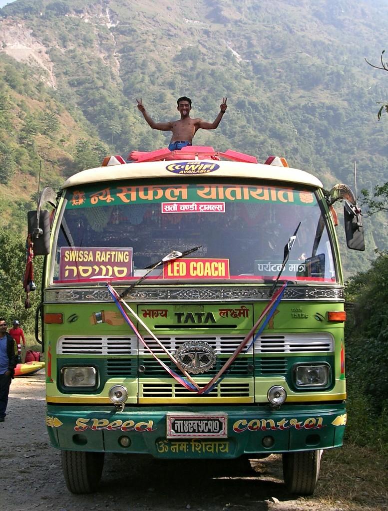 Bus für die Rückfahrt vom Kaligandaki