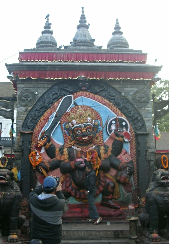 Kali Statue am Durbar Square in Kathmandu (vor Erdbeben)