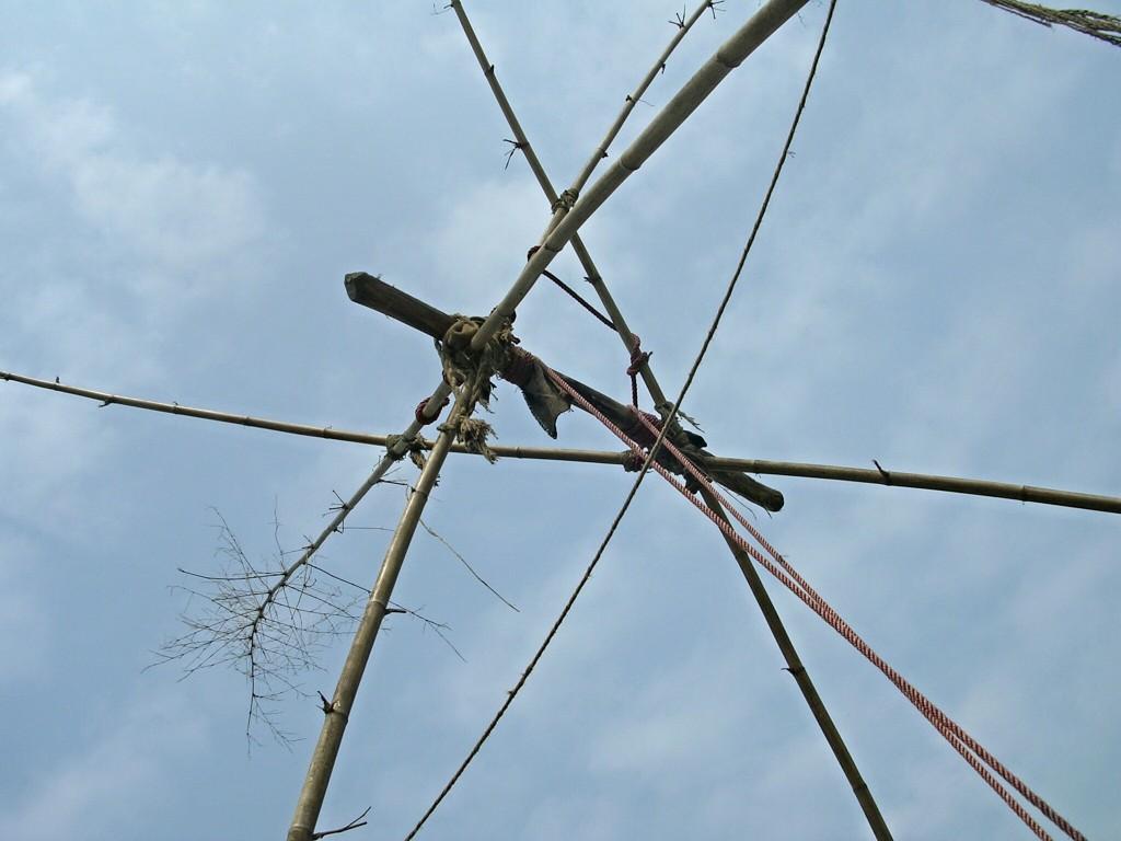 Bambus Schaukel Konstrukt in Nepal