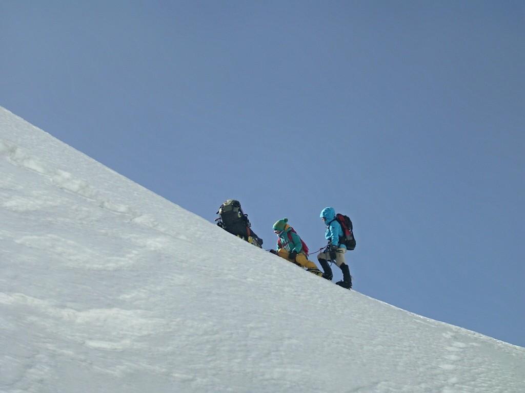 Am Berggrat des Tarpu Chuli in Nepal