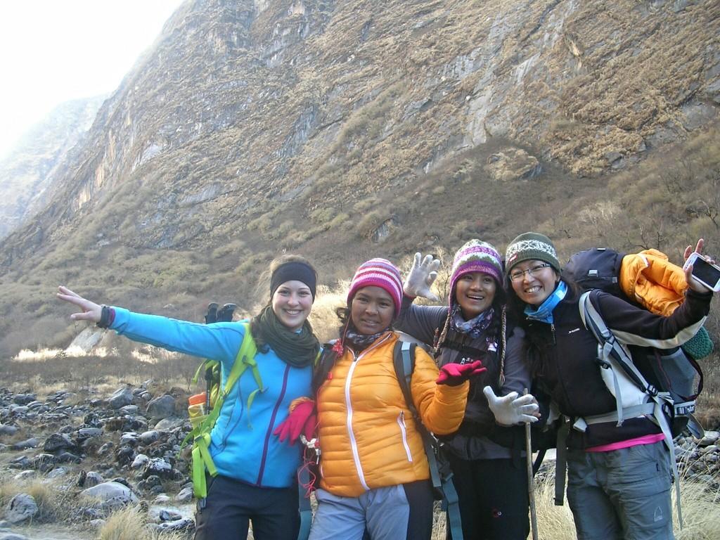 Gruppenfoto am Weg zum Annapurna Basecamp
