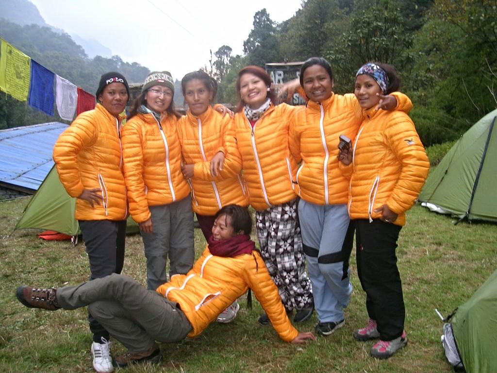 Gruppenfoto der nepalesischen Mädels