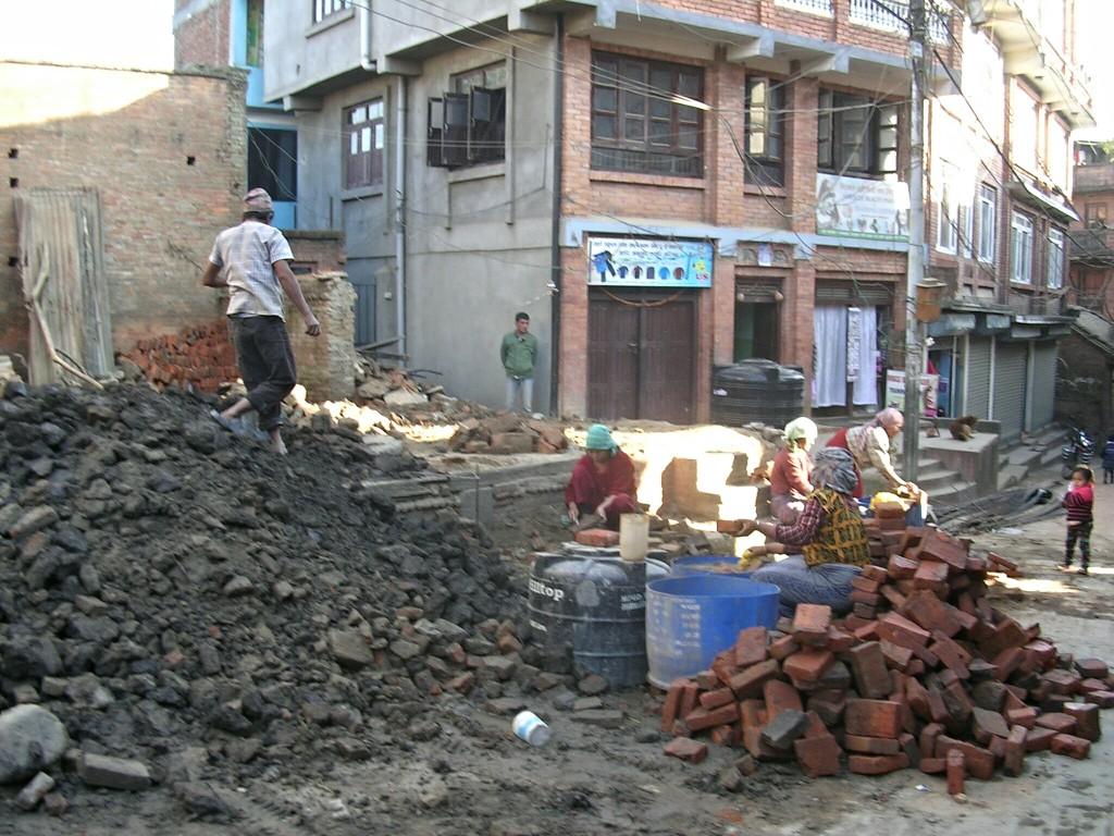 Straßenbauarbeiten in Bhaktapur