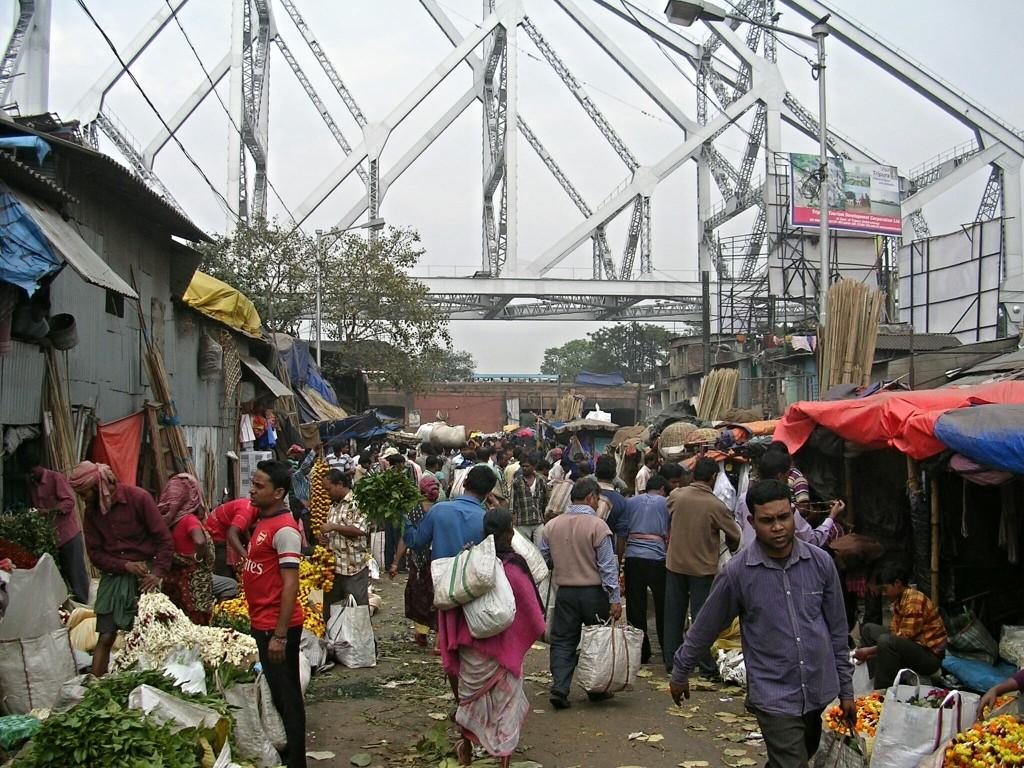 Markt bei der Howrah Brücke