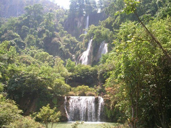 Thi Lo Su Wasserfall bei Um Phang