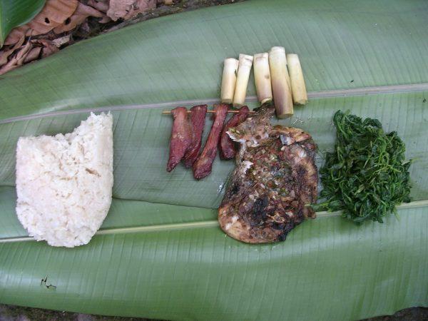 Bestes Essen ever (!) beim Wandern in Phongsali