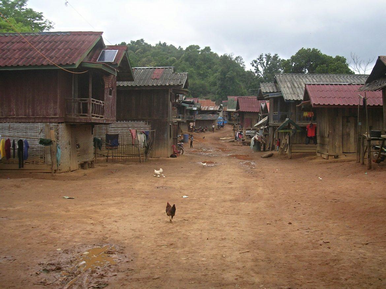 Dorf beim Wandern in Laos