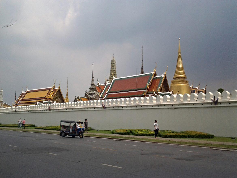 Ausserhalb der Königspalastanlage in Bangkok