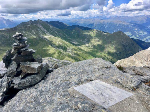 Ausblick Pfannspitze am Karnischen Höhenweg