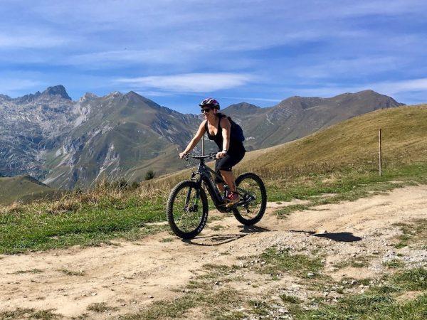 Piemont: E-Bike fahren auf der Via del Sale in der Provinz Cuneo