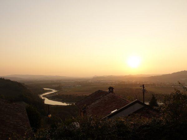 Piemont: Sonnenuntergang in Barbaresco