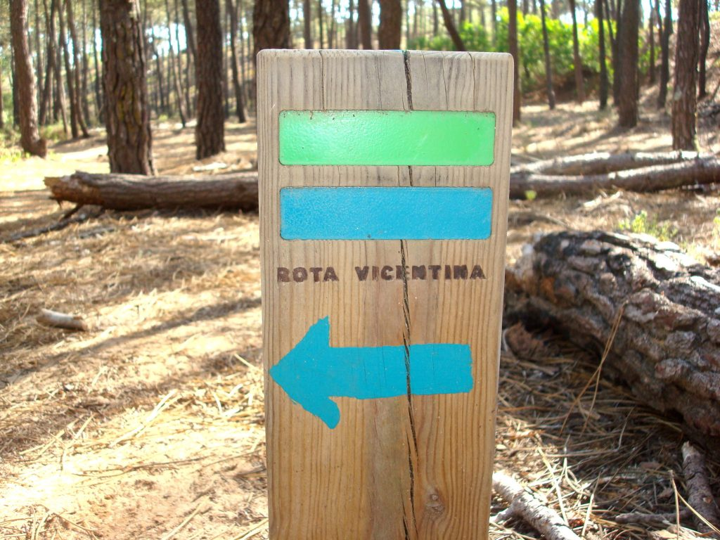 Wegmarkierung am Rota Vicentina in Portugal
