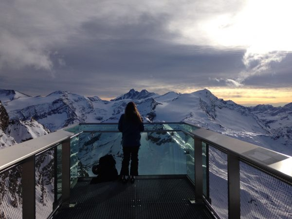 Die Aussichtsplattform Richtung Groß Glockner in der Gipfelwelt 3000 am Kitzsteinhorn